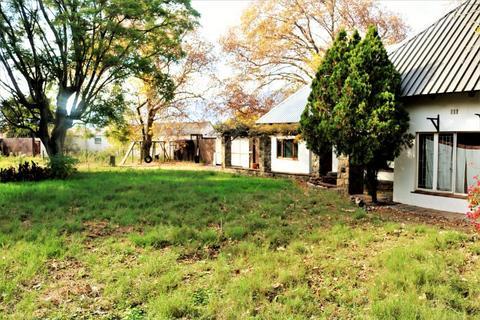 House For Sale in De Oude Renbaan