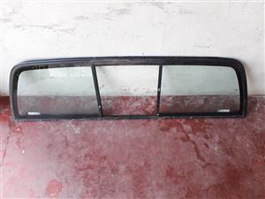 CORSA BAKKIE REAR WINDOW SLIDER
