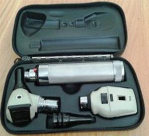 Welch Allyn otoscope diagnostic set