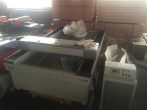 Ruijie 1325 130 watt large format cutter and engraver