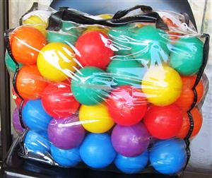 +- 50 Colored plastic balls