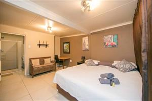 COZY GUEST HOUSE ROOMS!! GREAT DEALS AND GREAT PRICES!! FOR AS LITTLE AS R499 A NIGHT!