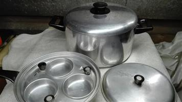 4 Piece pot and pan set