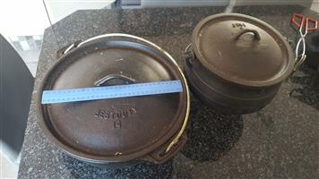 Number 2 Potjie pot and 30cm Diameter cat iron pot.