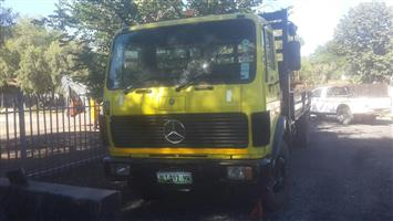 Mercedes 16.17 Crane truck
