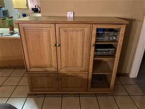 Must see ! Solid Oakwood tv stand/Cupboad