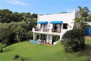 HOLIDAY HOME FOR SALE IN POPULAR TRAFALGAR'S BLUE FLAG BEACH