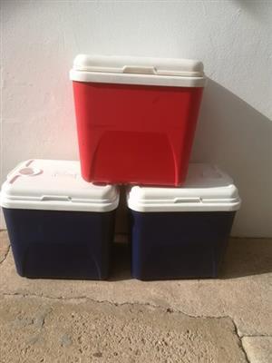 3 Big Cooler Boxes ~ CAMP MASTER