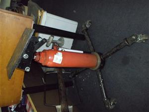1/2 Ton Capacity Hydraulic Transmission Jack
