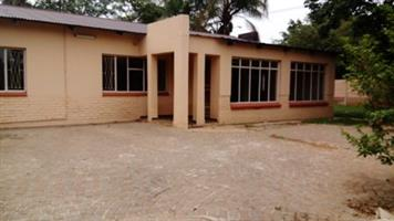 Large Private 2 Bedroom House in Pta-North