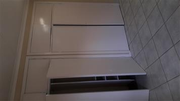 Big bedroom with built in cupboards to rent in Gresswold