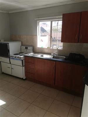 Nice clean 2 bedroom garden flat