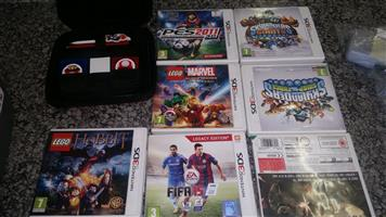 Nintendo 2DS Console + 7 Games