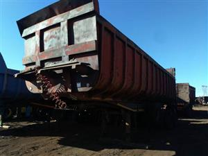 Trailers for Sale : Various Types of Heavy Duty Trailers on Auction.