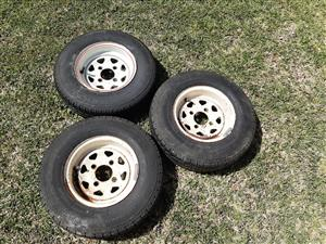 Trailer 10inch rims and tyres for sale