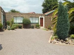 Fully furnished 1 bedroom garden flat for rent. The Reeds Centurion.