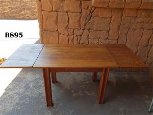 6 Seater Oak finish DiningTable (1900x800x780)