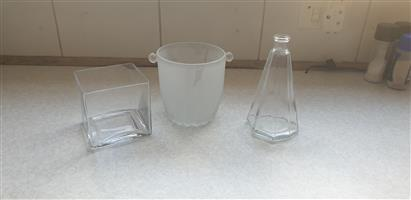 Small vases R30 each, many vases to choose from