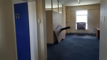 Office space To Let in Parow on Voortrekker road