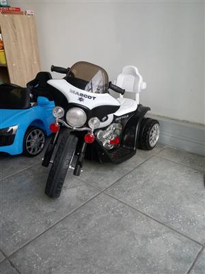 KIDDIES CRUZER ELECTRIC MOTORCYCLE