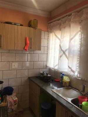 Fantastic bachelor flat/apartment for rent in Reuven/Booysens johannesburg.