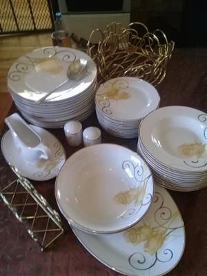 COMPLETE DINNER SET WITH GRAVY BOAT