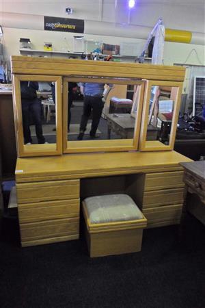 Oak Wood Bedroom Suite - B033043166-3