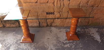 Oregon Pine Pedestals with Glass Top (1300x400x615)