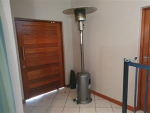 Megamaster - Berlin Patio Gas Heater - Black - Exelent condition