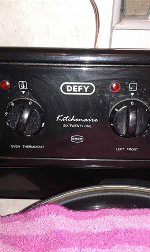 Big Defy oven 100%working order,