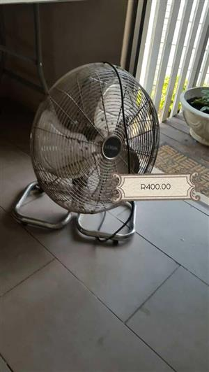 Desk fan for sale