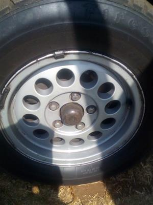Hi selling vw microbus rims x4 still in good condition