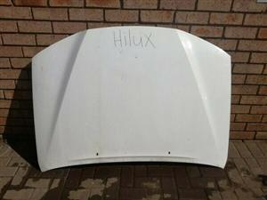 Toyota Hilux Facelift VVTI 2.7 Bonnet