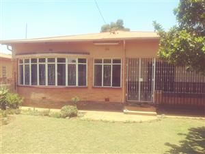 3 bedroom house for sale in Eloffsdal to rent