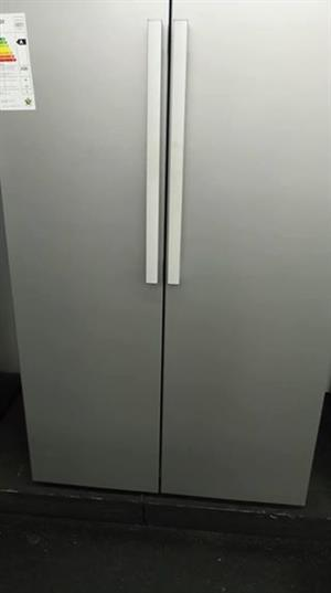 Double door defy fridge