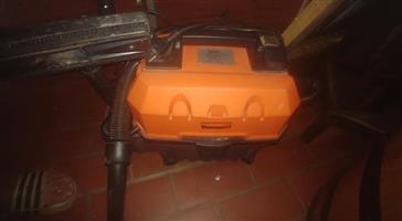 Wet and dry vacuum