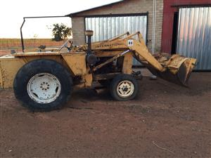 International front end Loader  Grader