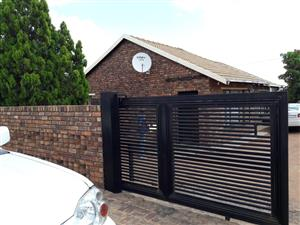 4 BEDROOMS HOUSE FOR SALE MABOPANE X R480 000.00 CALL SOPHY @ 076 081 3571 FOR MORE INFO
