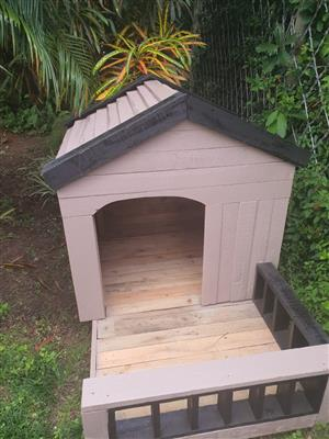 Dog kennels/cat house/play house/rabbit hatch