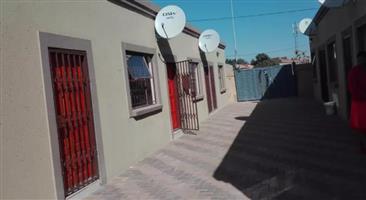 Affordable accommodation in Soshanguve Block X