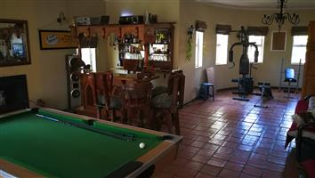 Large House 5-6 rooms 4,5 Bathroom, no load shedding, clean tap Water.