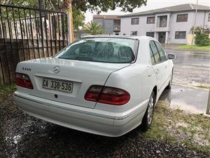 2000 Mercedes Benz E-Class sedan E 200 AVANTGARDE