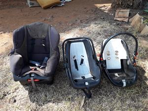 Chicco car seat and 2x carriers