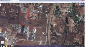 7.5 ha LAND FOR SALE - DERDEPOORT