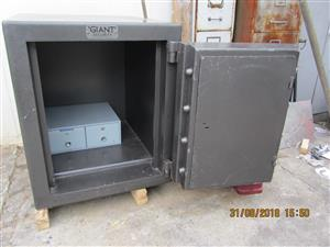 Giant Safe  950x850x1000mm high High security