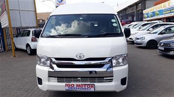 2013 Toyota Quantum 2.5D 4D GL 14 seater bus