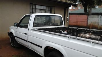 1 TONNE RELIABLE BAKKIE FOR HIRE 24/7  IN KEMPTON PARK 0717818283 .