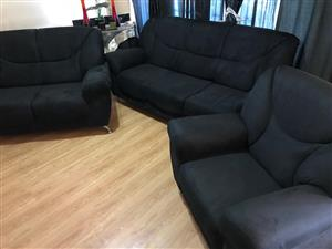 6 seater Black lounge suite