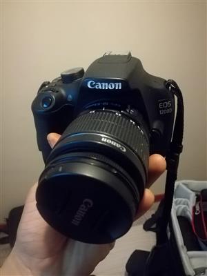 D1200 Canon camera