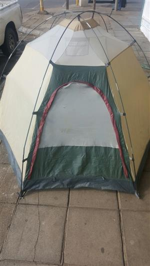 Tent Camp Craft Dome Tent 2 Sleeper  In prestine condition   Sleeps 2